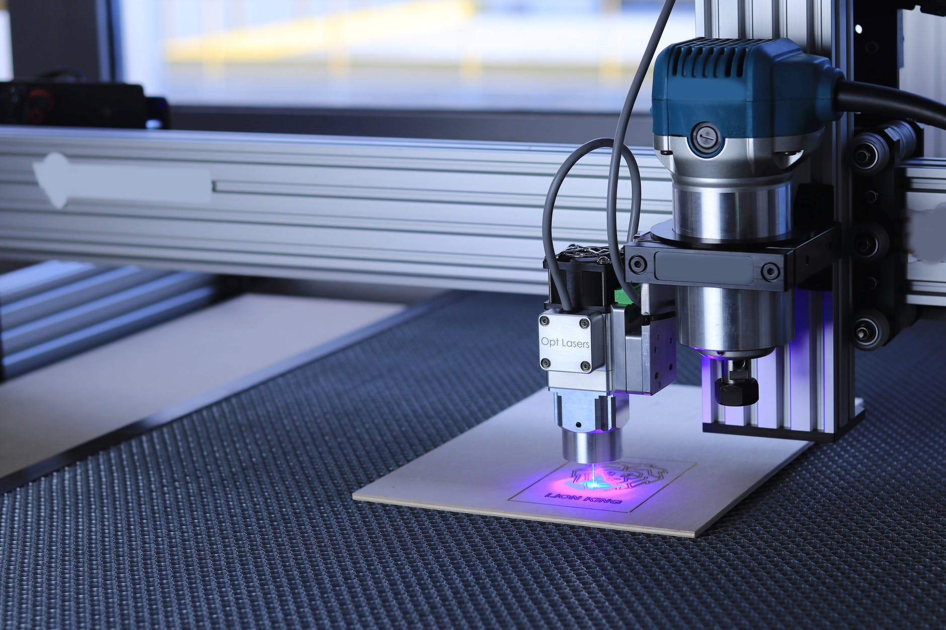 Six Reasons Why Outsourcing Your CNC Machining Projects Makes Sense
